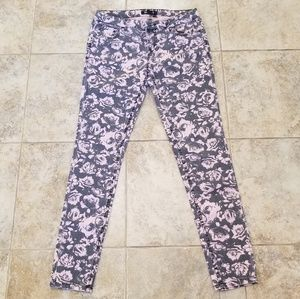 Forever 21 Good Cond Pink &Blk Roses Stretch Jeans